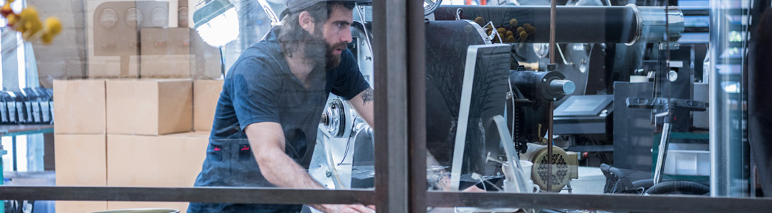 Warehouse worker using Alpine Communications Business Internet